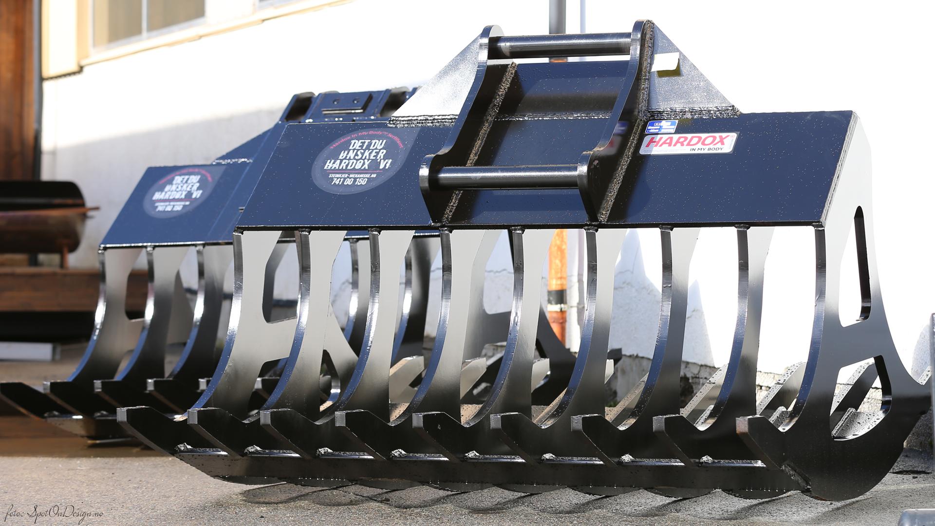 DYRKINGSSKUFFE Spesial 40T i Hardox 450 Stål levert til kunde Erik Melting, Mosvika ● Steinkjer Mekaniske AS